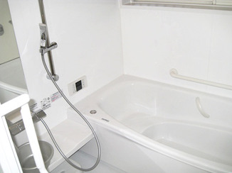 バスルームリフォーム 清潔感を前面に出したバスルーム&洗面所