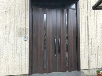 エクステリアリフォーム 雰囲気を一新!断熱仕様で暖かくなった玄関ドア