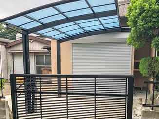 エクステリアリフォーム 増改築を駆使して生み出す屋根付きの快適な駐車場