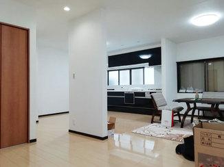 キッチンリフォーム 2世帯住宅のための広々としたLDKリフォーム