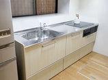 キッチンリフォーム壁のパネルで汚れ対策万全のシンプルなI型キッチン