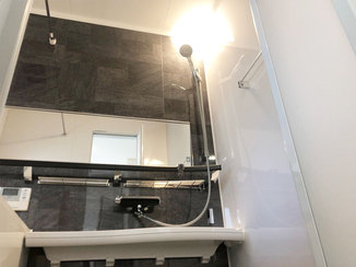 バスルームリフォーム 断熱効果のある窓で冬でも暖かい浴室