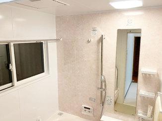 バスルームリフォーム 冬でも暖かく過ごせる断熱窓のついた浴室
