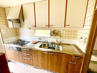 キッチンリフォーム 費用を抑えて下台のみ取り替えたキッチン